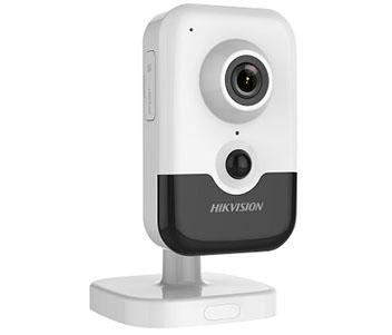 2МП IP видеокамера Hikvision с PIR датчиком DS-2CD2421G0-I (2.8 мм)